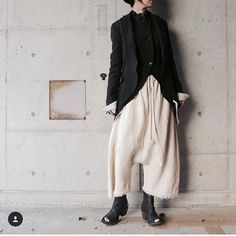 Mood..... @mora_fukuoka #nostrasantissima #votum #woman #black #fashion #pants #jacket