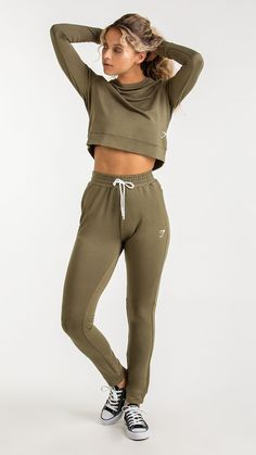The women's Solace Bottoms are made from a fabric like no other – when you feel it, you'll know. With a high waisted fit, part-ribbed cuffs and elasticated waistband, subtle style meets superior comfort. #gymshark #gymsharkwomen #fitspo