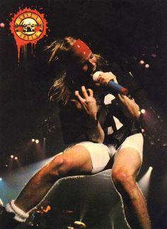 Guns-n-Roses use your illusion tour Axl Rose, Guns N Roses, Appetite For Destruction, Crazy Mind, Sweet Child O' Mine, Rose Photos, Living Legends, Music Photo, Rock Music