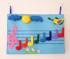 Montessori rainbow musical notes #montessoriathome #montessoriactivities #montessori #montessoriinspired #musical #musicalnotes #feltboard #feltboardactivity #preschoolactivities #EmaDecorations