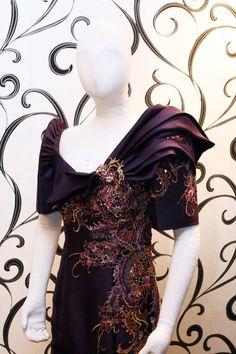 Filipiniana — Designer: Mak Tumang | The Official Website | Bridal / Wedding & Evening Gown Modern Filipiniana Gown, Filipiniana Wedding, Wedding Evening Gown, Evening Gowns, Mak Tumang, Filipino Fashion, Plus Size Gowns, Fashion Details, Fashion Design