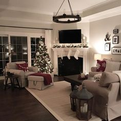 Living Room With Fireplace, Cozy Living Rooms, Home Living Room, Living Room Designs, Living Room Decor, Fireplace Furniture, Living Room Furniture Arrangement, Foyer, Instagram