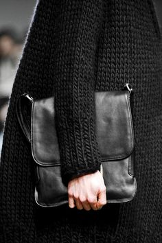 Chunky knit coat and smooth leather satchel @ Detacher fw13.