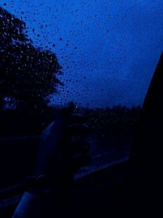 Blue Aesthetic Dark, Aesthetic Colors, Aesthetic Grunge, Aesthetic Photo, Aesthetic Pictures, Neon Azul, Everything Is Blue, Blue Hour, Blue Wallpapers