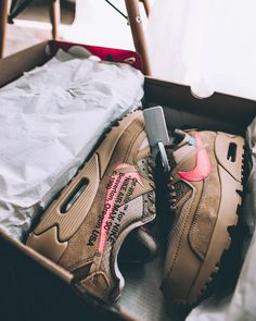 What's your all-time favorite Off-White x Nike? Dior Sneakers, White Fashion Sneakers, Sneakers Street Style, Sneakers Fashion Outfits, Nike Fashion, Fashion Shoes, Sneakers Nike, White Sneakers, Mens Fashion