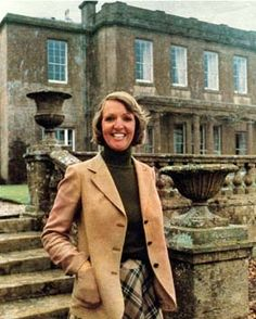 "To the Manor Born: Penelope Keith as ""Audrey Fforbes-Hamilton"" British Tv Comedies, British Comedy, Uk Tv Shows, Old Shows, Forsyth Saga, Penelope Keith, City Roller, British Humor, Comedy Tv"