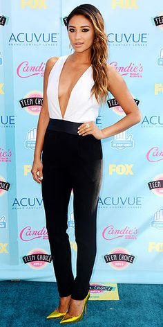 Teen Choice Awards 2013: Shay Mitchell in an black-and-white Jenni Kayne jumpsuit with bold chartreuse Jimmy Choo pumps