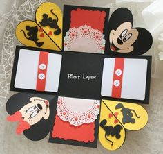 Mickey Mouse foto estalla caja Disney viaje foto sorpresa nos Valentine Day Boxes, Valentine Gifts, Cute Birthday Gift, Birthday Cards, Diy Gift Box Template, Exploding Gift Box, Disney Cards, Mini Album Tutorial, Box Patterns