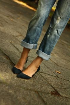Boyfriend jeans and pointed heels...trendy for spring, summer, fall...