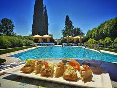 Pranzo in ufficio... @byblos.art.hotel #valpolicella #verona #arthotel #pizza #pizzagourmet #lunch #working #gourmet #luxurytravel #travel #instadaily #instalike #instafood #foodlover #delicious #picoftheday #italy #follow #daianalorenzato #italianexperience #swimmingpool #besthotel