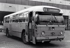 Met bus 85 Zwanenburg in jaren 60 naar het werk in Boesingeliede bij Schiphol