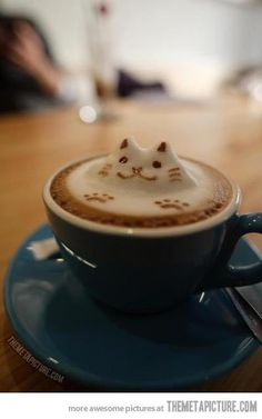 My coffee must now be served like this… #latteart