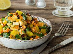 Sommersalat-mit-Suesskartoffeln-Halloumi-und-Zitrusdressing_article
