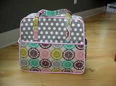 I've already pinned this Amy Butler Weekender bag, but this girl has some good tips! @Heather Wright, I wish we lived in the same town so we could do this one together!!!