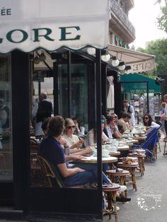 カフェ Paris