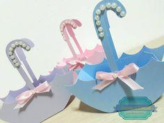 Lindos e fofos guarda chuvas porta guloseimas!!! Sugestão: suspiros coloridos em forma de coração!  #scrap #rain #guardachuva #festachuvadeamor #chuvadeamor #festademenina #decoracaochuvadeamor #suspiros #coração #rain #umbrela #festainfantil #tags #menina #itgirl #party #cute #colors #amor #iloveit Summer Crafts, Diy And Crafts, Crafts For Kids, Homemade Gifts, Diy Gifts, Paper Chains, Baby Baptism, Paper Snowflakes, Baby Shower