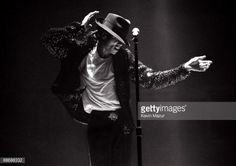 News Photo : JULY 11, 2009** Michael Jackson performs in...
