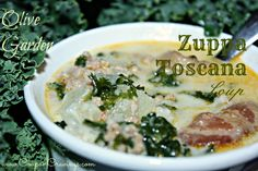 1 lb italian sausage 1/2 pound bacon 1 quart + 1 cup water 2 cans chicken broth 2 large russet potatoes 2 cloves garlic 1/2 medium onion, chopped 2 c. chopped kale 1 c. heavy whipping cream