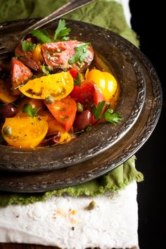 Heirloom tomato salad by Geez Louise    http://www.louisemellor.com/2013/06/05/recipe-forheirloom-tomato-salad/