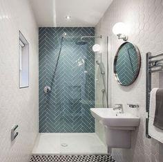 Pinterest : 9 petites salles de bains bien aménagées   Très beau rendu du carrelage sur le mur du fond