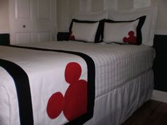 Hotel Style Mickey Mouse Bed Scarf/Runner Set w/European Shams and Pillows Mickey Mouse Quilt, Mickey Mouse House, Mickey Ears, Bed Runner, Disney Quilt, Disney Furniture, Bed Scarf, Disney Bedrooms, Disney Home Decor