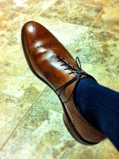 sleek, form-fitting look. Best Shoes For Men, Men S Shoes, Sock Shoes, Shoe Boots, Jute, High End Shoes, Derby, Fashion Shoes, Mens Fashion