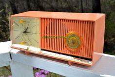 PEACH PINK Mid Century Retro Jetsons 1958 Silvertone Model 90235 AM Clock Radio Totally Restored!