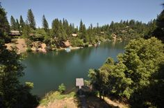 """DOG FRIENDLY LAKEFRONT! Pine Mountain Lake vacation rental """"LAKE'SCAPE"""", unit 15 lot 87, is 26-miles from the North entrance of Yosemite National Park (Hwy 120). Please see details/restrictions, along with master calendar here: http://www.yosemiteregionresorts.com/107688.htm  #PetFriendly #LakeHouse #Waterfront #Lakefront #LakeView #PrivateDock #Groveland #PineMountainLake #PineMountainLakeVacationRental #PetFriendlyCabin #California #PetFriendlyVacationRental #LakeScape"""