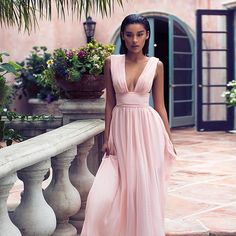 The Nusa light pink chiffon maxi dress. Homecoming Dresses, Bridesmaid Dresses, Wedding Dresses, Chiffon Maxi Dress, Dress Skirt, Light Pink Long Dress, Prom Night, Dope Fashion, Photo Instagram