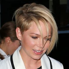 Michelle Williams sidecut - idea to grow out my undercut