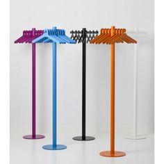Ein robuster Garderobenständer in vielen bunten Farben. POLE von Cascando ist ein echter Hingucker in jedem Eingangsbereich! http://www.kasedia.de/garderoben-und-mehr/cascando-pole.html