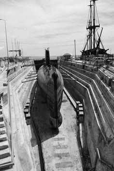 Depois de mais de 40 anos em serviço e de mais de 52 mil horas de navegação, o submarino da Marinha Portuguesa NRP Barracuda deixou de estar no activo. Encontra-se actualmente na doca seca nº 1 de Cacilhas, Almada, Portugal, com o objectivo de ser preparado para ser um museu e ficar aberto a visitas públicas.