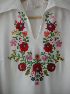 Vintage Embroidery Designs SALE vintage beautiful Hungarian handmade folk art blouse for women, - Hungarian Embroidery, Folk Embroidery, Learn Embroidery, Vintage Embroidery, Embroidery Stitches, Embroidery Patterns, Machine Embroidery, Bordado Popular, Embroidery Neck Designs