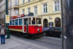 Carnet d'un week-end vert à #Prague, jour 1 ! Je vous emmène sur la colline de Petřín, dans la Vieille-Ville et à Vyšehrad. #czech #czechrepublic #praha #tchéquie #républiquetchèque #voyage #travel #weekend