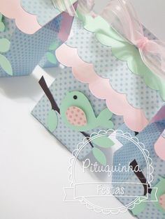 Sweetest bags for spring gifts. Baby Shower Parties, Baby Boy Shower, Baby Crafts, Diy And Crafts, Bird Party, Pillow Box, Tutorial, Paper Cards, Cardmaking