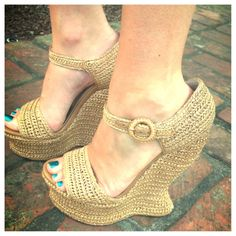 Fabulous shoes on Womanista's Cassie Kelley. Dolce & Gabbana woven wedges