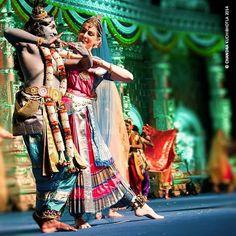 An Italian couple performing Kuchipudi ballet. #indianclassicaldance #kuchipudi #kuchipudidance #indiaigers #india_ig #india #artsy #hyderabad #dancers  #siliconandhra #dancing #instagood #dance #classic #indianclassical #devotion #dancerspose #performance #culture #incredibleindia #performingarts #instadance #picoftheday #italy by chandrakuchibhotla