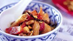 Ostré smažené kuře s arašídy Moscow Mule Mugs, Potatoes, Fresh, Vegetables, Breakfast, Tableware, Kitchen, Food, Vietnam