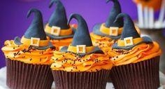 ¡Deliciosos Cupcakes de bruja para Halloween! - No necesitas más que lo ingredientes de siempre y un poco de imaginación para conseguir recetas de Halloween que asombren a todos.