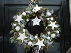 Christmas wreath by Mirja Hygge Christmas, Noel Christmas, Rustic Christmas, Christmas And New Year, White Christmas, Christmas Wreaths, Christmas Crafts, Christmas Decorations, Holiday Decor