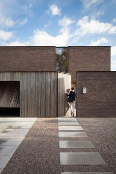 modern minimalist architecture for residences Architecture Renovation, Architecture Résidentielle, Modern Architecture Design, Modern House Design, Contemporary Design, Organic Architecture, Contemporary Houses, Minimalist Architecture, Japanese Architecture