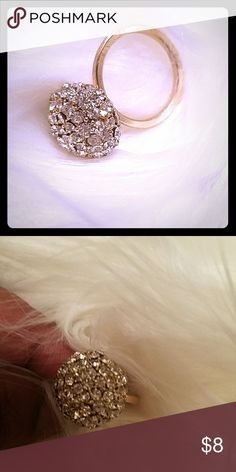 🎉🎉🎉Fashion Jewellery Ring🎉🎉🎉 🎉🎉🎉🎉🎉NEW YEARS SALE🎉🎉🎉🎉🎉 Fashion Jewellery Ring size 8 Pre owned Uncommon Jewelry Rings