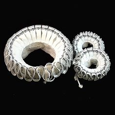 "Black Worked Ruff and Cuffs set - ""Elizabeth"" black work pattern - - Elizabethan ruff / collar 1560 - 1600"