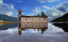 Mavrovo, Macedonia | Las 28 iglesias abandonadas más bellas del mundo