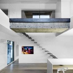 Habitat 67 - Minimalist Apartment Design in Montreal Beautiful Interior Design, Contemporary Interior Design, Escalier Design, Hallway Inspiration, Minimalist Apartment, Loft House, Modern Staircase, Staircase Design, Apartment Design