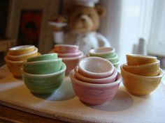 Colored bowls 1:12 by It's a miniature life...is playing with clay
