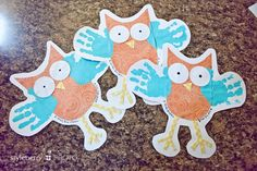 Handprint art and craft projects for Fall Owl Crafts, Arts And Crafts Projects, Animal Crafts, Diy Father's Day Cards, Art For Kids, Crafts For Kids, Owl Theme Classroom, Classroom Ideas, Footprint Crafts
