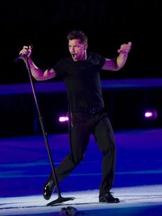 Spanish Sub - Ricky Martin will guest star as a musically inclined Spanish teacher in a January episode that will likely feature the former General Hospital star performing in two big musical numbers.