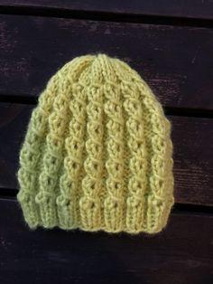Äppelmössan – Hildurs Barnbarn Knitted Animals, Knitted Hats, Sweater Knitting Patterns, Crochet Patterns, Knitting Sweaters, Ann Louise, Free Pattern, Knit Crochet, Sewing