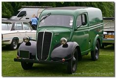 Ford Thames E83W Van Hot Rod Trucks, Cool Trucks, Big Trucks, Ford Motor Company, Green Motorcycle, Old Lorries, British Car, Panel Truck, Vintage Vans